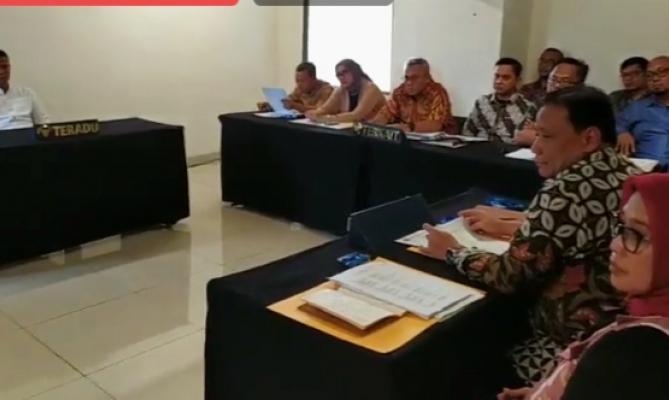 Suasana sidang pemeriksaan DKPP dengan teradu Wahyu Setiawan