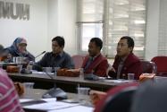 Peserta Sarasehan dari Ikatan Mahasiswa Muhammadiyah (IMM) Memberikan saran/Masukan Tentang Pengawasan Partisipatif