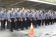 para staf Bawaslu RI mendengarkan arahan Setjen Bawaslu RI Gunawan Suswantoro