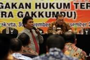Pimpinan Bawaslu RI Nelson Simanjuntak memberikan materi tentang penanganan pelanggaran Pilkada pada Rakornas Penanganan Pelanggaran Pilkada Tahun 2017 di Yogyakarta, Sabtu (30 November s/d 2 desember 2016)