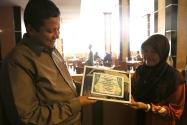 Ketua Bawaslu RI mendapatkan kenang-kenangan ulang tahun dari Himpunan Mahasiswa Islam karena ulang tahun Ketua Bawaslu RI Muhammad bertepatan pula dengan hari jadi Kohati yang ke 48.
