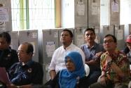 Ketua Bawaslu RI bersama Bawaslu Provinsi Bengkulu menyaksikan langsung Proses rekapitulasi surat suara Pilpres tahun 2014 di Kecamatan Teluk Segara Kota Bengkulu (13/7).